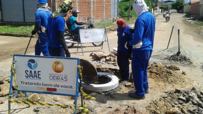 SAAE realiza manutenção e melhorias na rede de esgotamento em Oeiras
