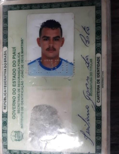 Vídeo | Preso homem que roubou anel de assaltante morto por policial