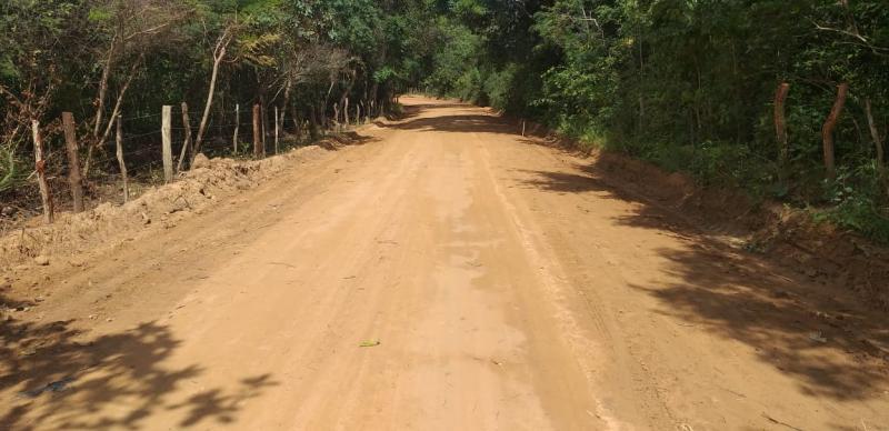 Prefeitura de Landri Sales revitaliza estrada vicinal do município