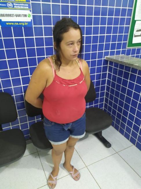 Mulher é presa por agredir companheiro com faca no Piauí