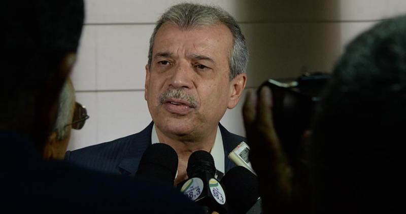 João Vicente Claudino negocia cargos para o PTB com W. Dias