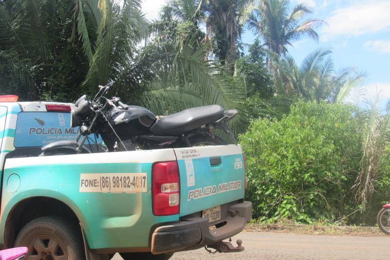 Polícia de São João do Arraial recupera moto furtada
