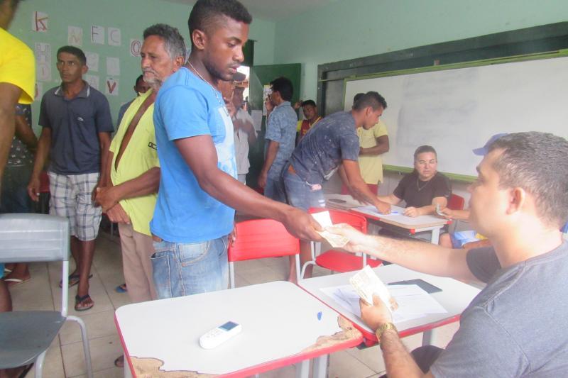 Prefeitura de São João do Arraial realiza pagamento do roço na semana santa