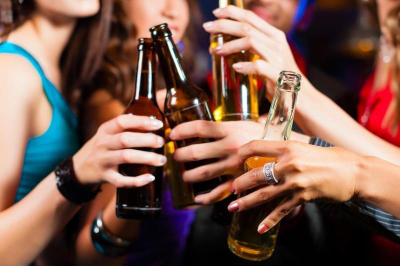 Por que os adolescentes estão bebendo tanto?