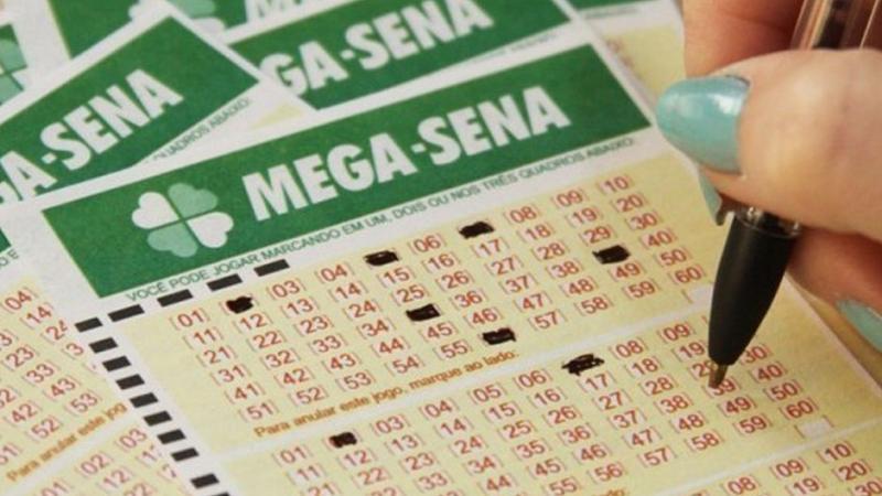 Mega-Sena acumula e pode pagar R$ 6,7 milhões