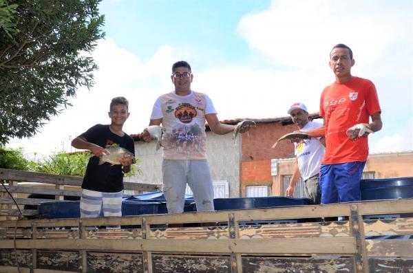 Prefeitura realiza distribuição de peixes para Semana Santa