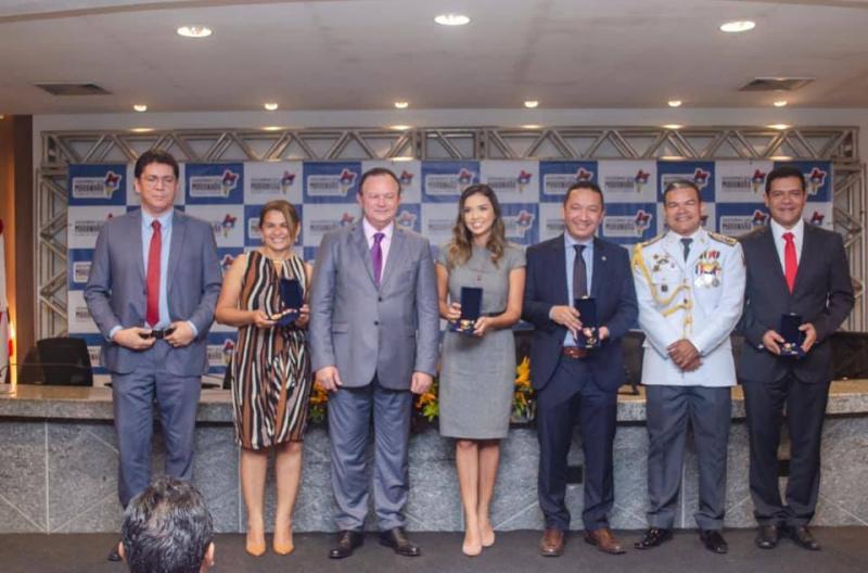 Prefeito de Timon é agraciado com a medalha do 'Mérito Militar'