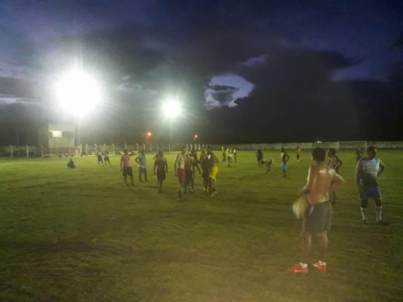 Estádio o Domingão têm jogo inaugural da iluminação dos refletores