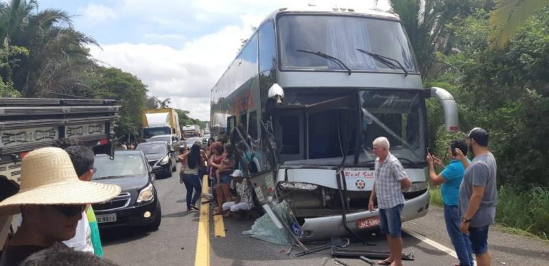 Acidente com três veículos deixa longa fila na BR 316