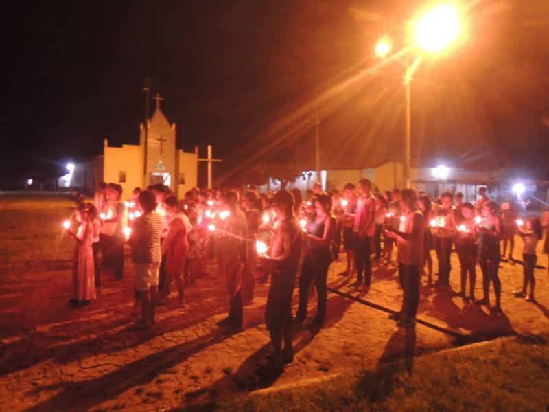 Fiéis participam da Via Sacra no bairro Malhada de Areia