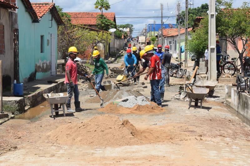 Obra de saneamento básico no Bairro Cariri está em fase final de conclusão