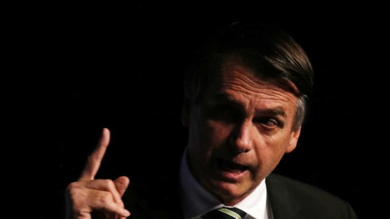 Bolsonaro promete novas regras para porte de armas