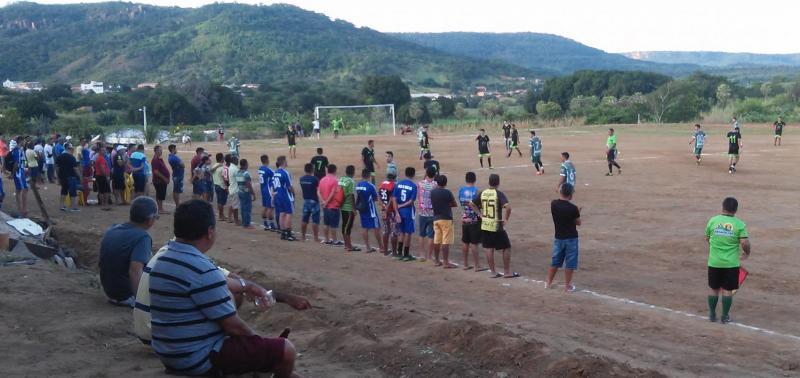 Secretaria de Esportes realiza semifinal do Campeonato Municipal de Futebol