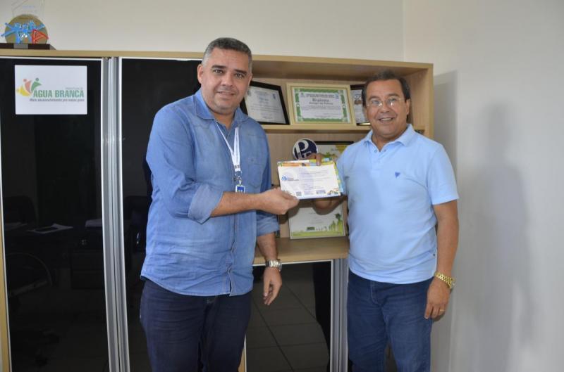 Prefeito Jonas Moura é finalista do Prêmio SEBRAE Prefeito Empreendedor