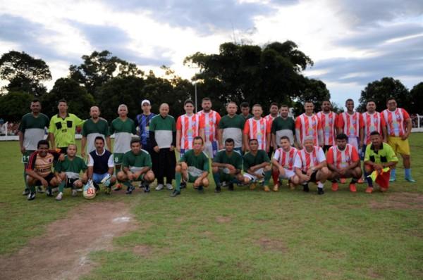Amigos do padre Airton e do prefeito se unem para jogo beneficente