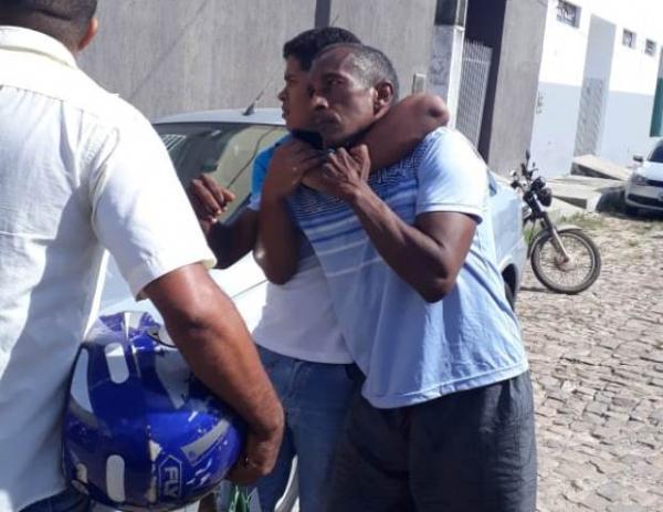 Suspeito é detido pela população após tentativa de assalto em Floriano