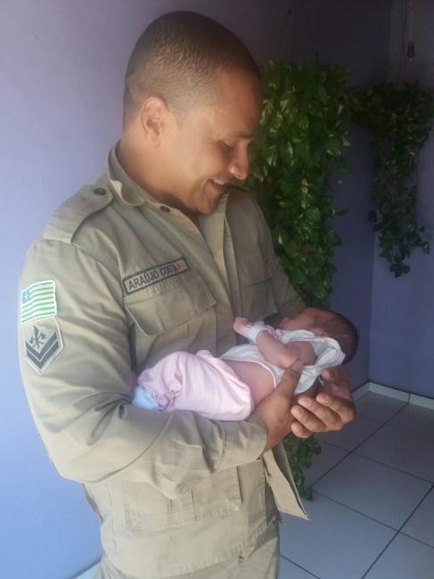 Por telefone, bombeiro de Picos ajuda a salvar bebê engasgado