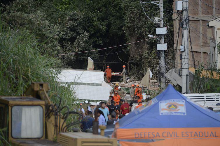 Demolição de prédios na Muzema é iniciada nesta quarta no RJ
