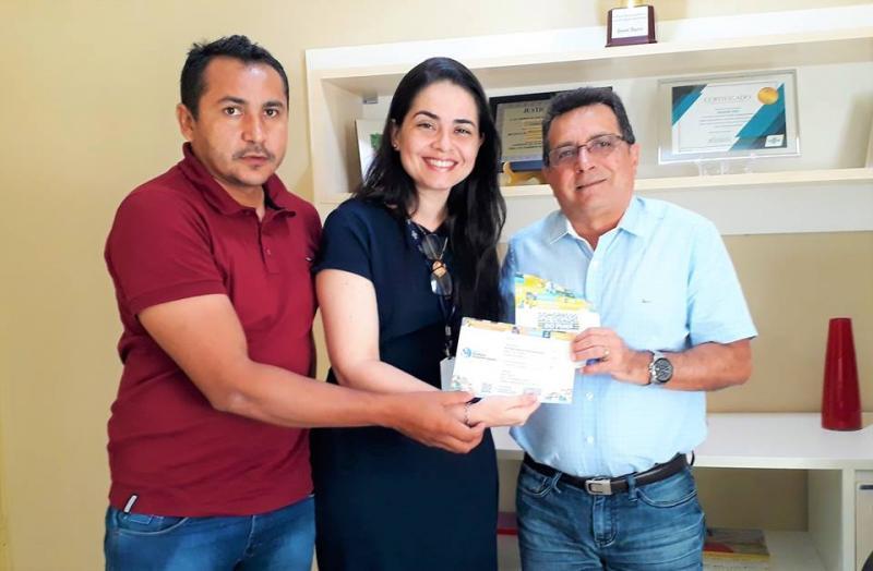 Prefeito Genival Bezerra recebe convite para participar do Prêmio SEBRAE