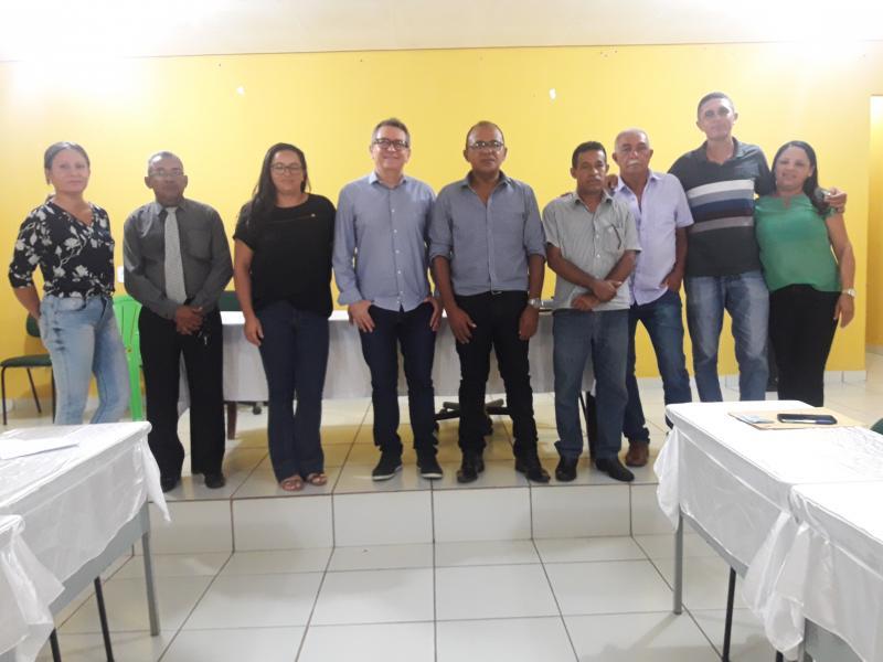 Câmara de Vereadores de Olho D'água se reúne com assessor jurídico