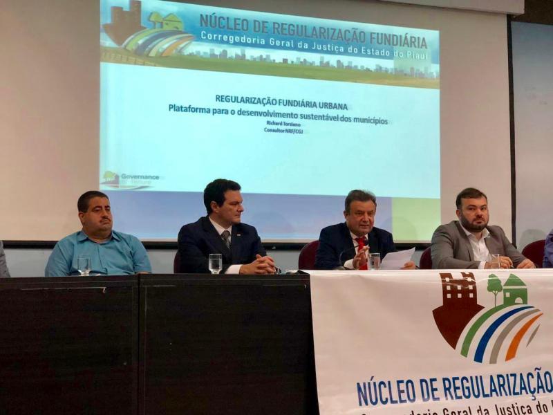Prefeito Antônio Neto participa de audiência sobre Regularização Fundiária