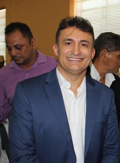 Prefeito de Curimatá, Valdecir Júnior se filia ao PP