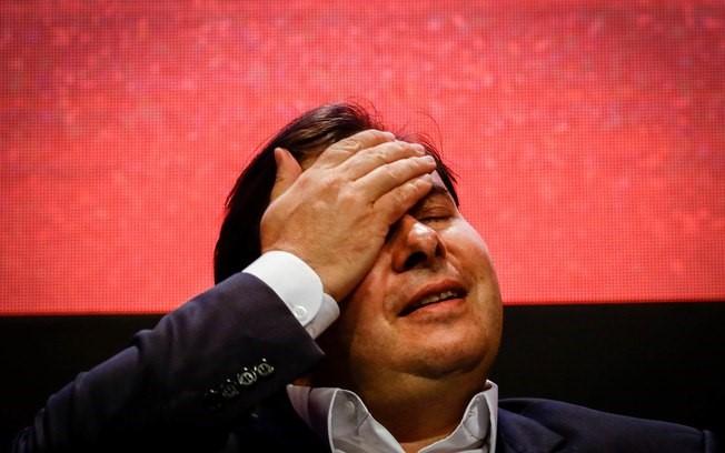 Maia afirma que declarações sobre filhos de Bolsonaro foram tiradas de cont