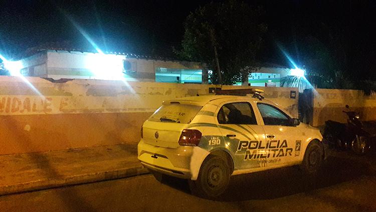 Bandidos arrombam escola, mas polícia chega antes de efetuarem roubo