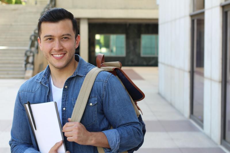 7 mil bolsas de estudo para cursos de graduação e pós-graduação no Piauí