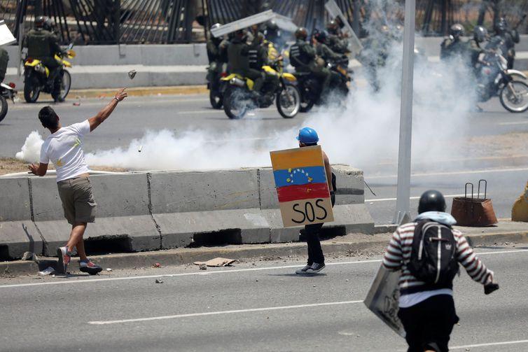 Tensão na Venezuela já matou 2 e deixou vários feridos em protestos