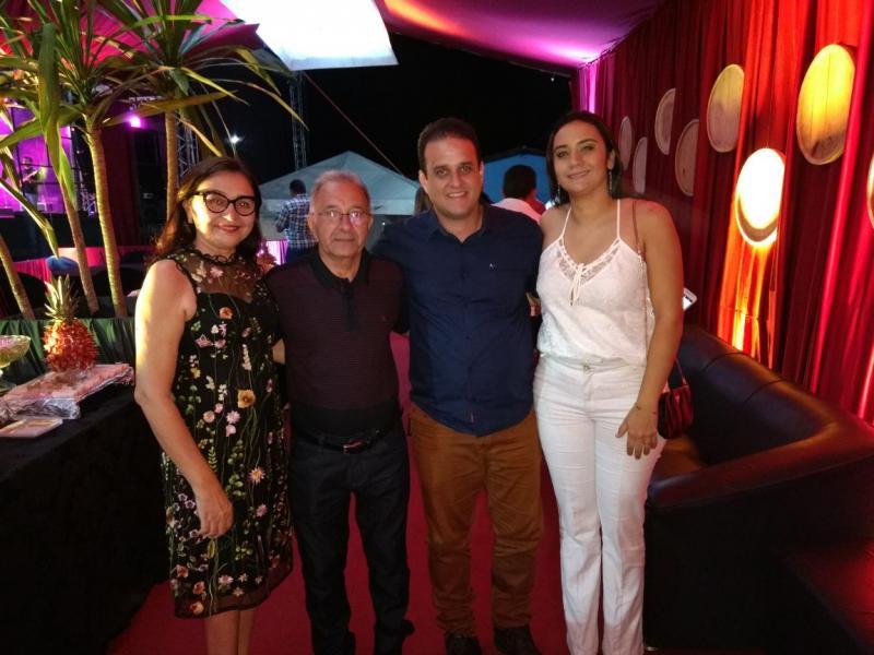 Prefeito Diego Teixeira prestigia aniversário de 55 anos do município de Barro Duro