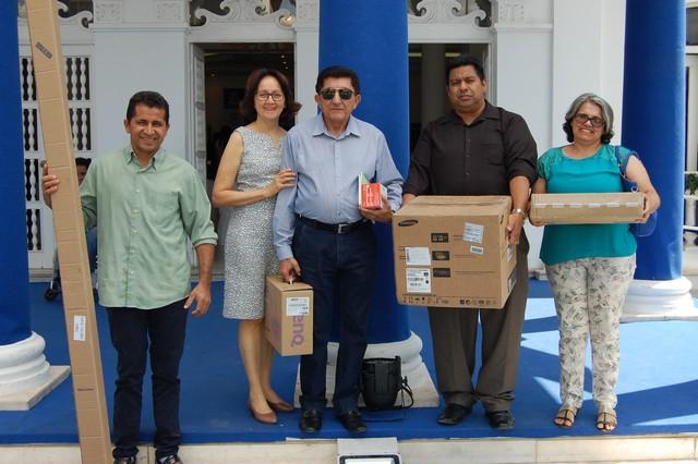 APAE de Ipiranga Recebeu Kit Multimídia do Governo do Estado