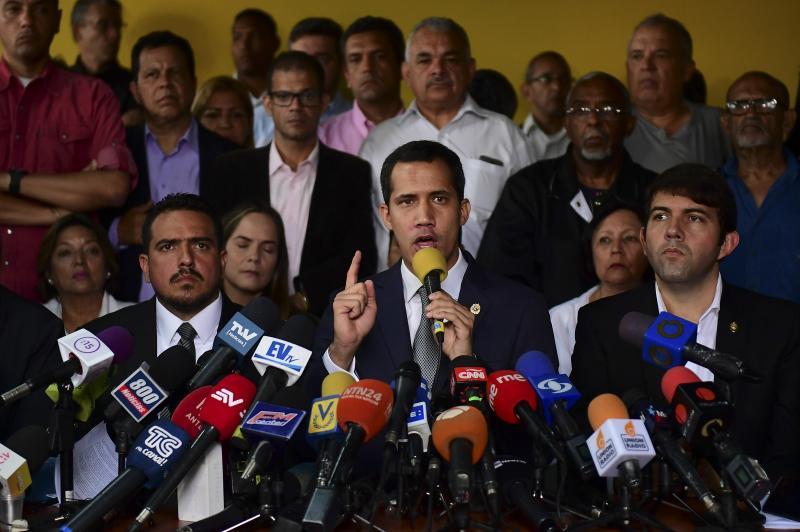 Juan Guaidó desafia Maduro