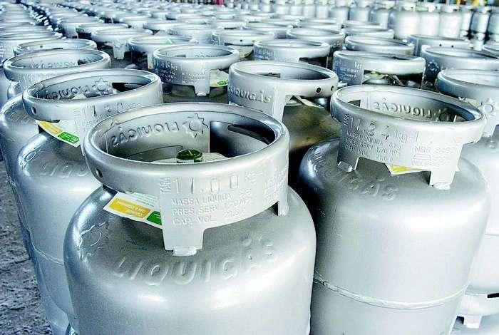 Petrobras reajusta preço do gás de cozinha a partir deste domingo