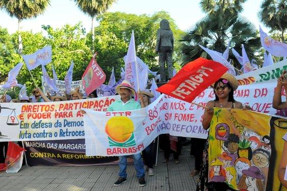 Trabalhadores participam da 6° Marcha das Margaridas em Teresina
