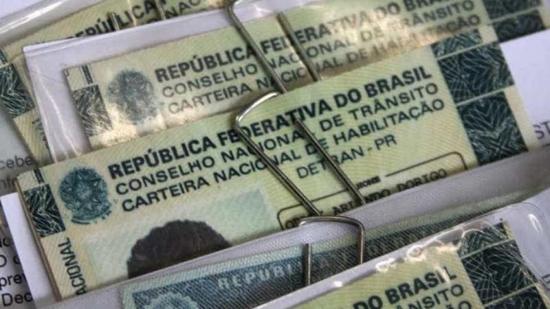 Bolsonaro confirma aumento de validade da carteira de motorista