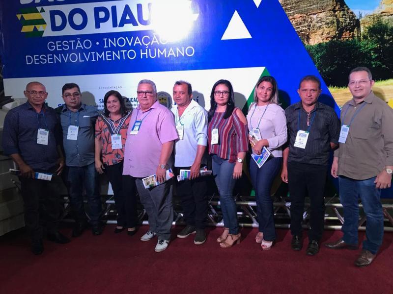 Prefeito  Dr. Alcione participa do congresso das cidades do Piauí