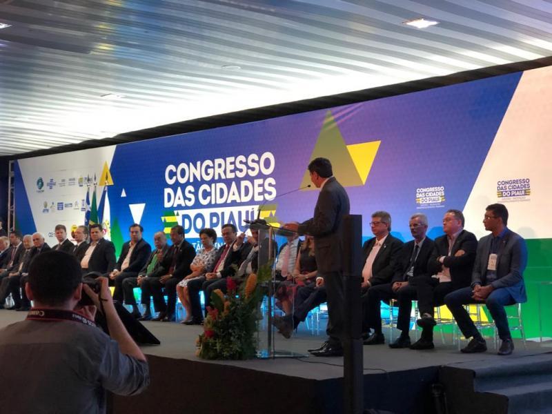 Prefeito Nilton Bacelar participa do Congresso das Cidades