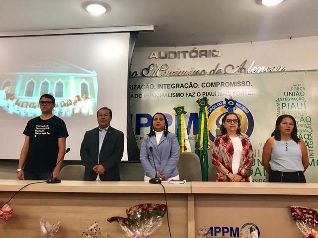 Secretária de educação de Francinópolis participa de Seminário SAEB