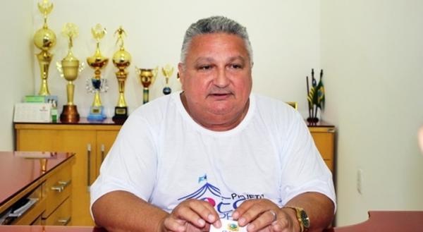 Dr.Alcione emite nota de pesar pela morte de Fredson Nunes