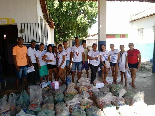 Escola estadual Manoel Teixeira arrecada 50 cestas básicas para doação