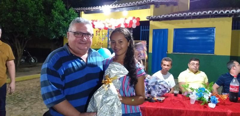 Escola Antonio Basílio realiza festa em comemoração ao dia das mães