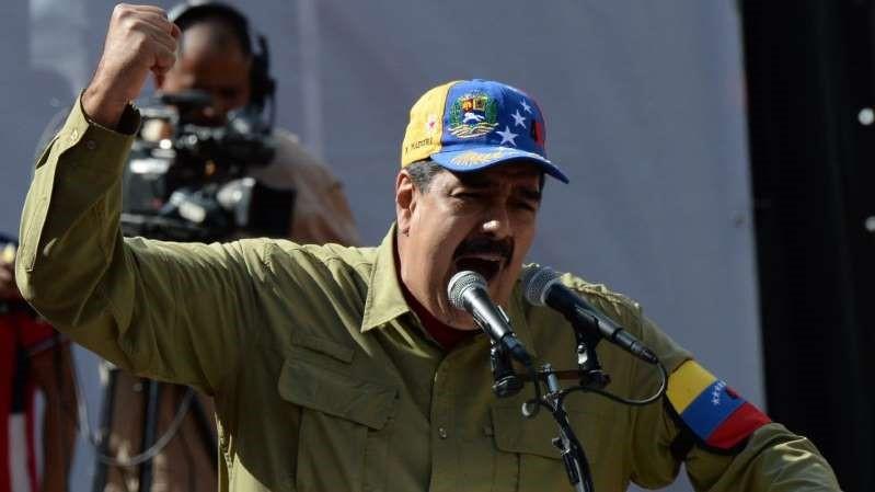 Qual é a situação de Maduro após tentativa frustrada de derrubá-lo