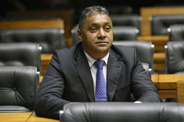 Tiririca anuncia que deixa a política e desabafa: 'saio totalmente com vergonha'