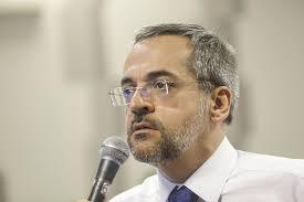 Governo reconhece que fala de Weintraub estimulou manifestações pelo país nesta quarta-feira