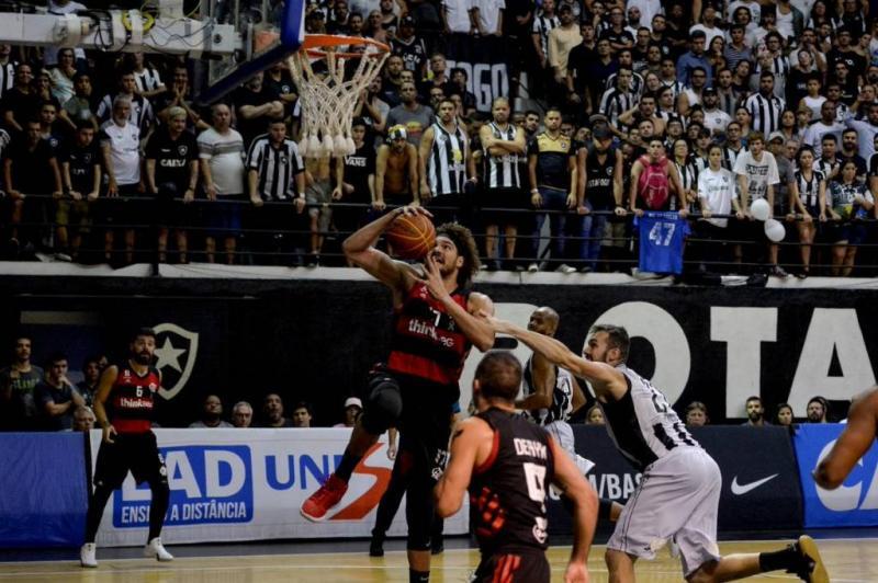 Flamengo vence Botafogo e está na final do NBB