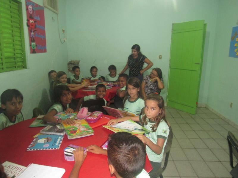 Secretaria de educação oferece aulas de reforço e outras atividades