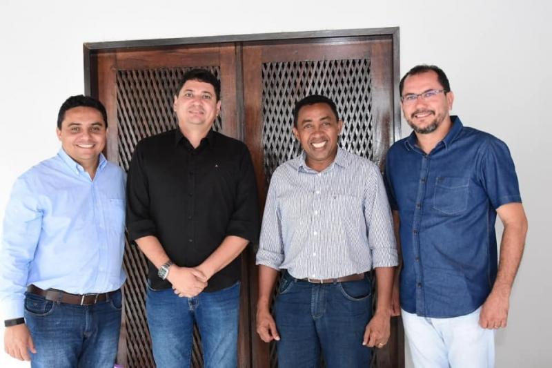 Vereador Liacir César reforça grupo do prefeito de Floriano Joel Rodrigues