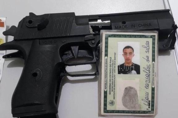 Com arma de brinquedo, assaltante é detido por segurança