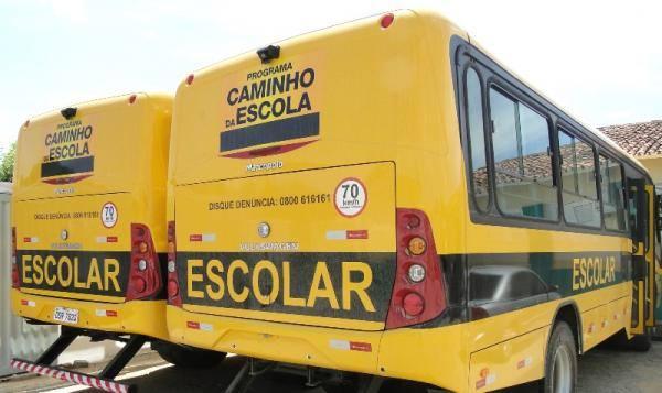 Criança de 2 anos é atropelada por ônibus da prefeitura municipal de Porto-